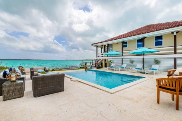 Bashert - waterfront villa rental in Chalk Sound, Providenciales