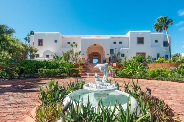 La Koubba is a 7-bedroom estate villa rental on Sapodilla Beach Turks and Caicos