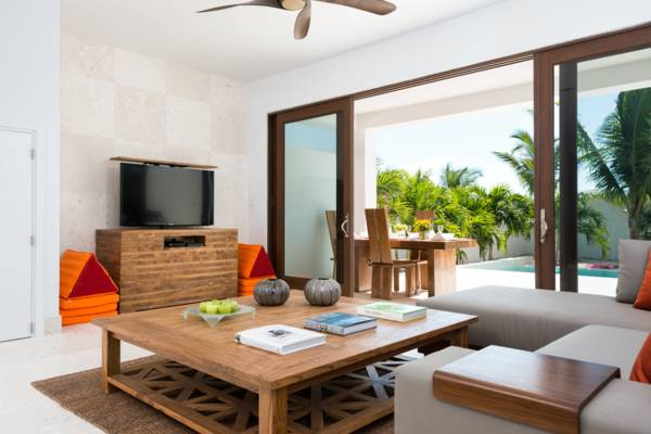 Sugar Kube villa on Grace Bay Providenciales